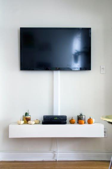 Fernseher an die Wand aber die Kabel am Boden | ComputerBase Forum