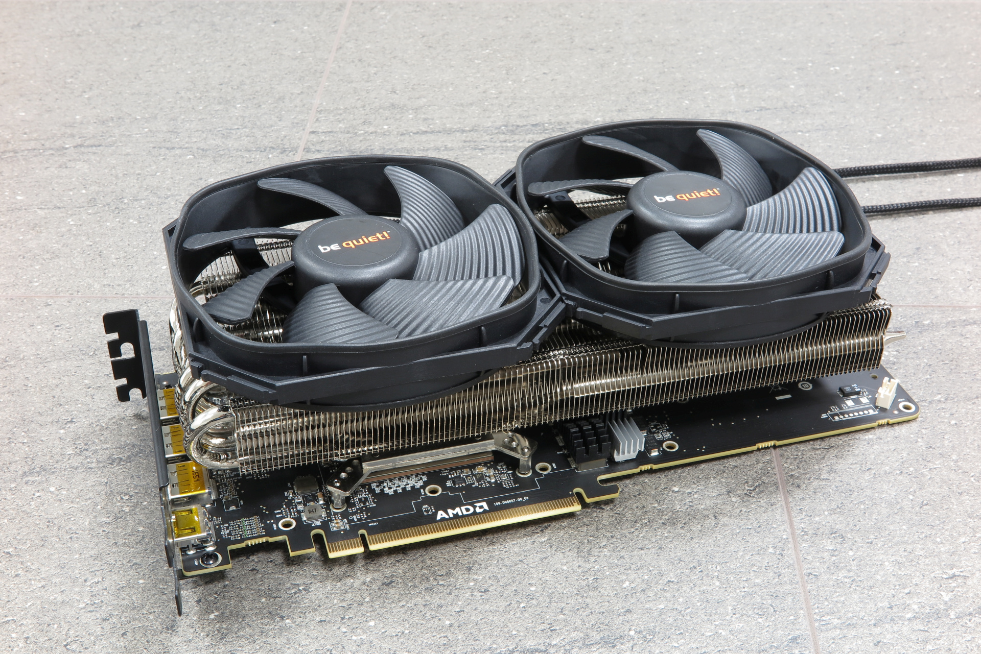 AMD-Radeon-Vega-Frontier-Edition-Morpheus-II-5--pcgh.jpg