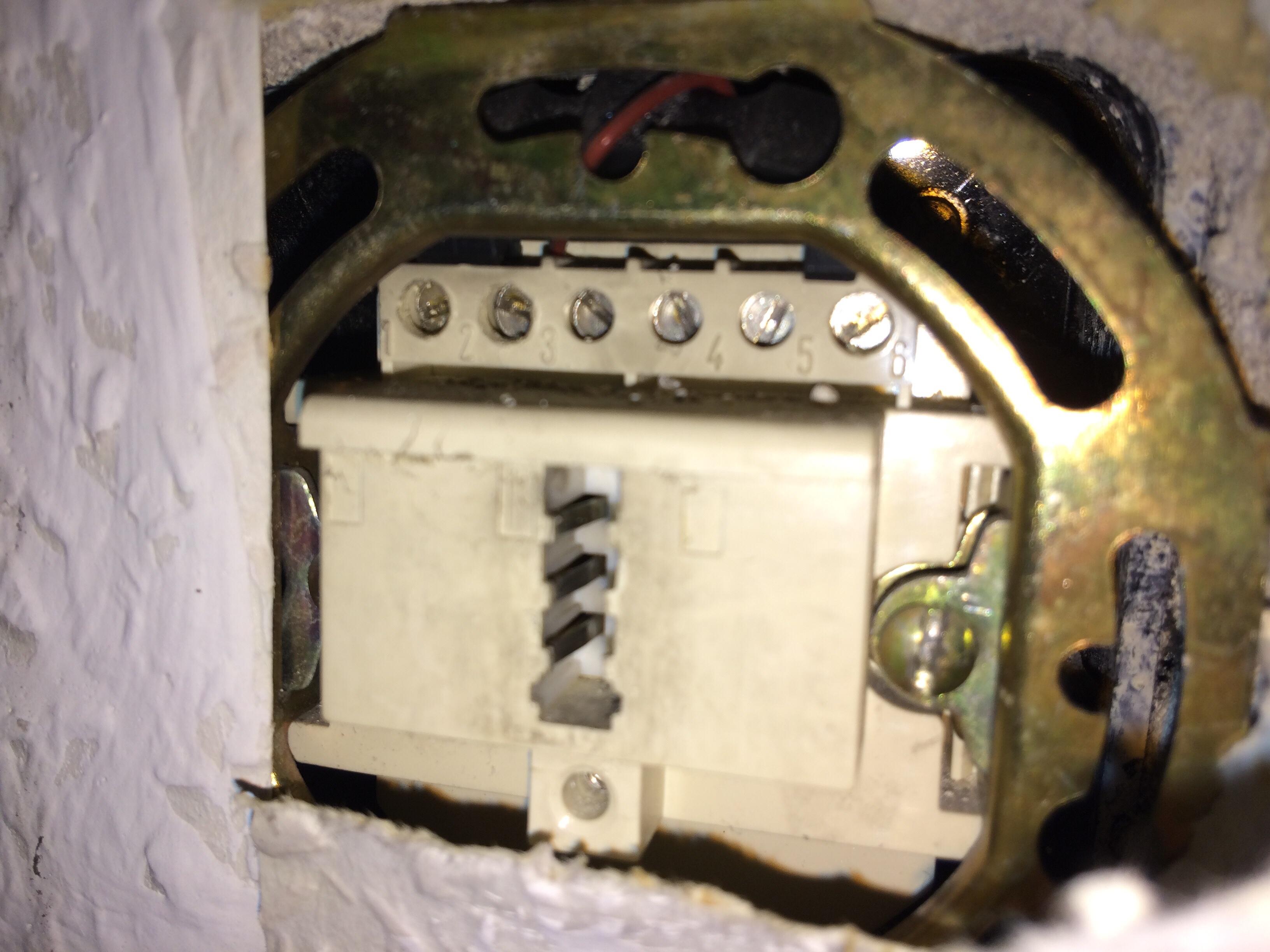 2 DSL-Anschlüsse in einer Wohnung und nur einen nutzen ...