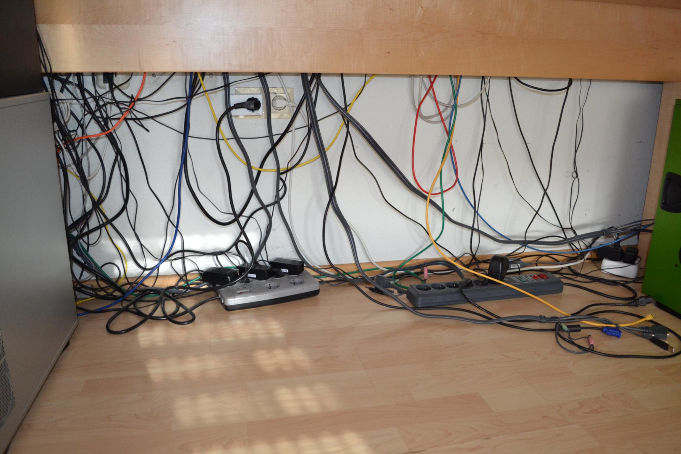 Netzwerk Kabel verstecken | ComputerBase Forum