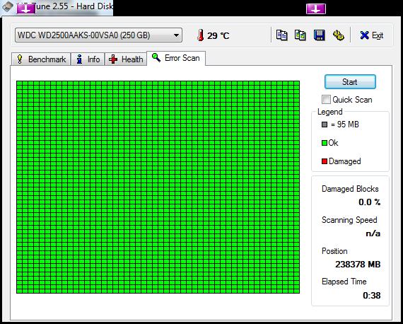 Klicke auf die Grafik für eine größere Ansicht  Name:HDTune_Error_Scan_WDC_WD2500AAKS-00VSA0.png Hits:605 Größe:23,8 KB ID:131707