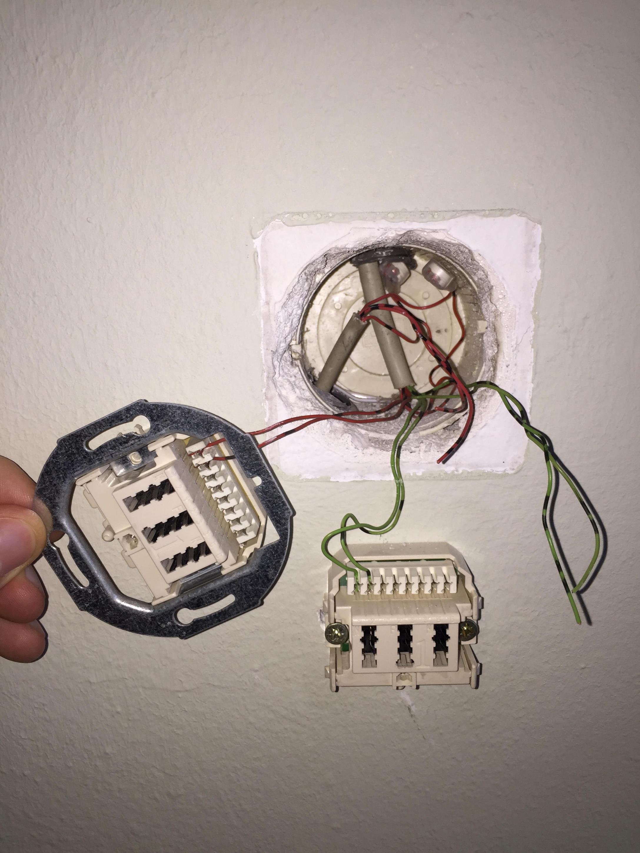 ASUS DSL-AC68U erkennt DSL Signal nicht. Bin am verzweifeln ...