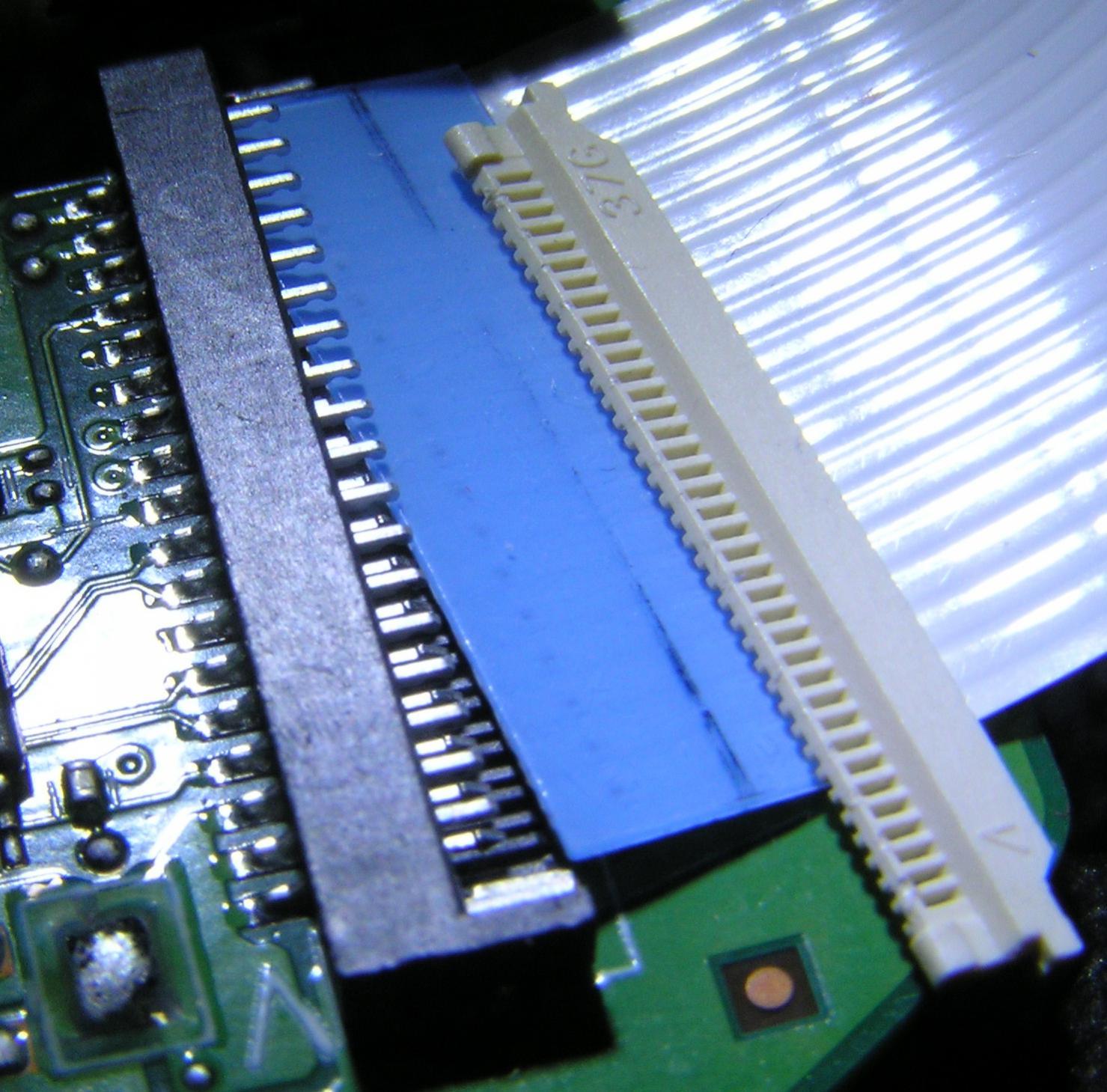 Flachbandkabel wieder montieren   ComputerBase Forum